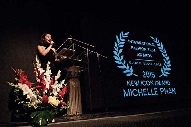 Michelle Phan giving her acceptance speech for winning the New Icon Award. Photo by Warren Difranco