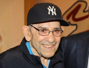 "Yogi Berra Meets The Upcoming Cast Of Broadway's ""Bronx Bombers"""